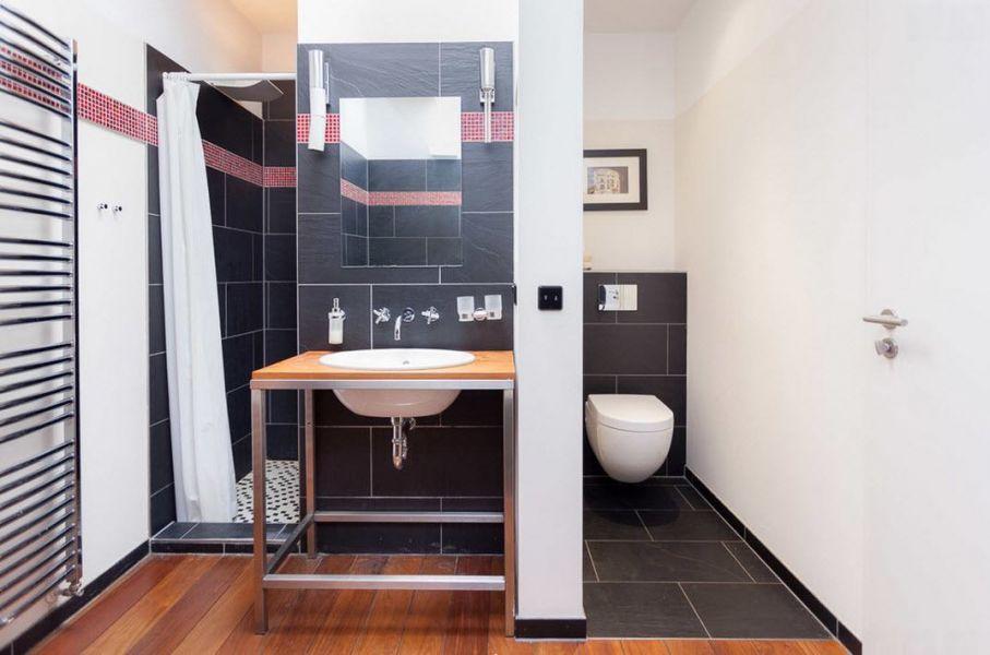 Интерьер ванной комнаты в небольшой квартире