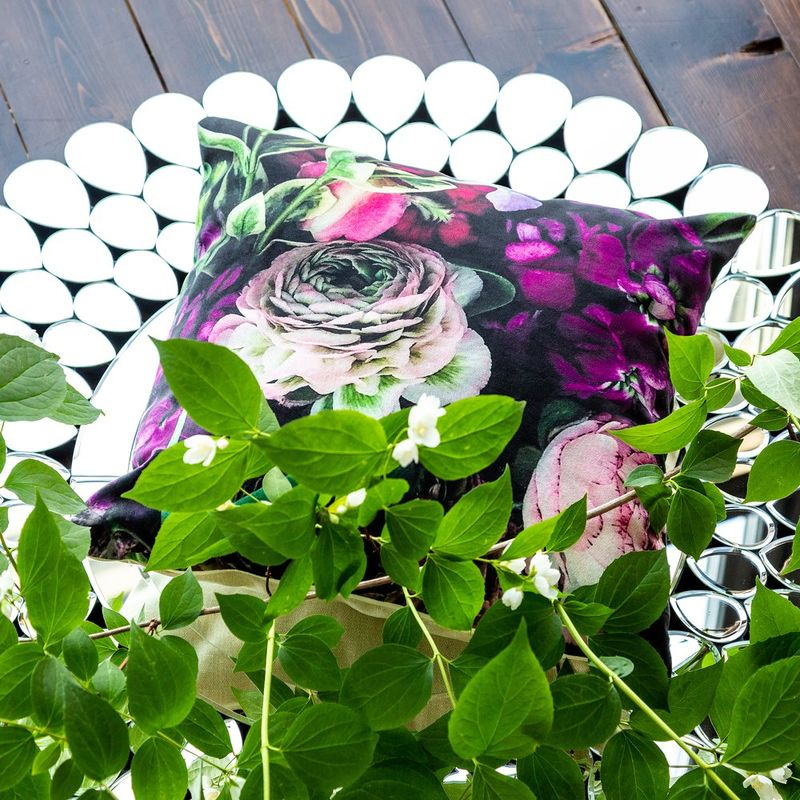 Интерьерная подушка Sweet Lilac 4112132. Фото №1
