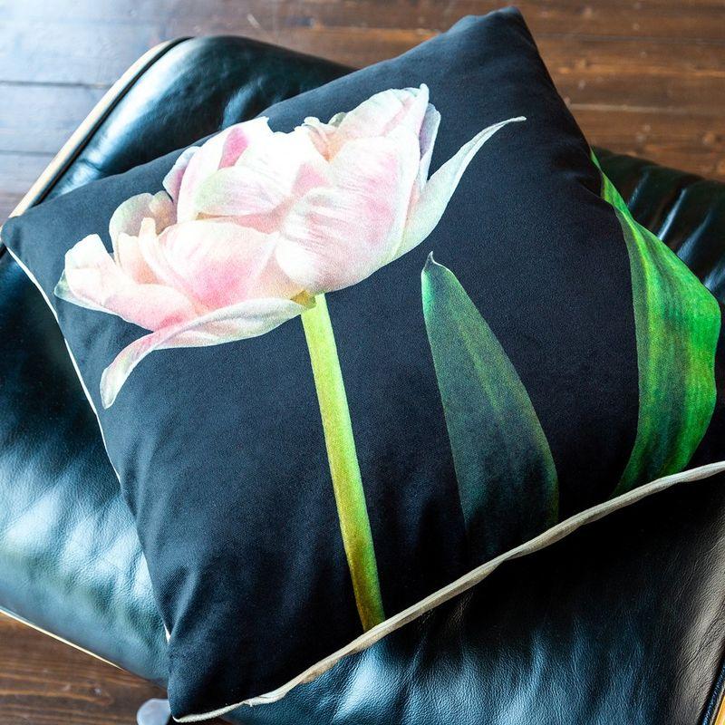Интерьерная подушка Pearled Rose 4112121. Фото №2