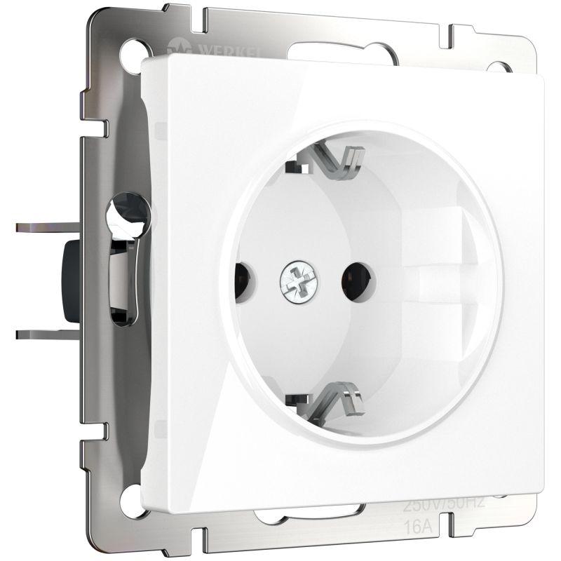Электрическая розетка с заземлением и шторками Werkel (белая) W1171101
