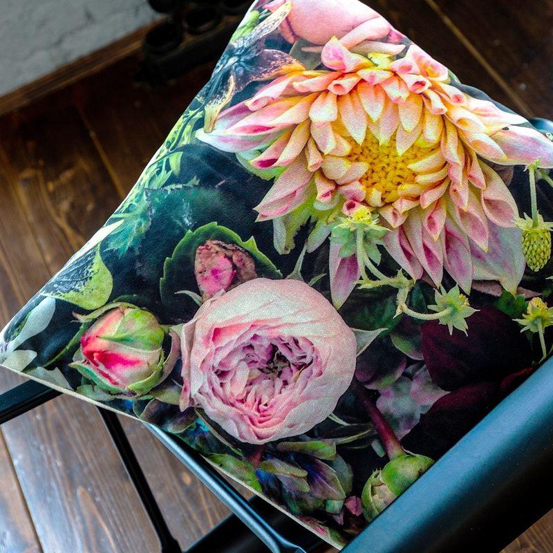 Интерьерная подушка Pink Dogwood 4112122. Фото №1