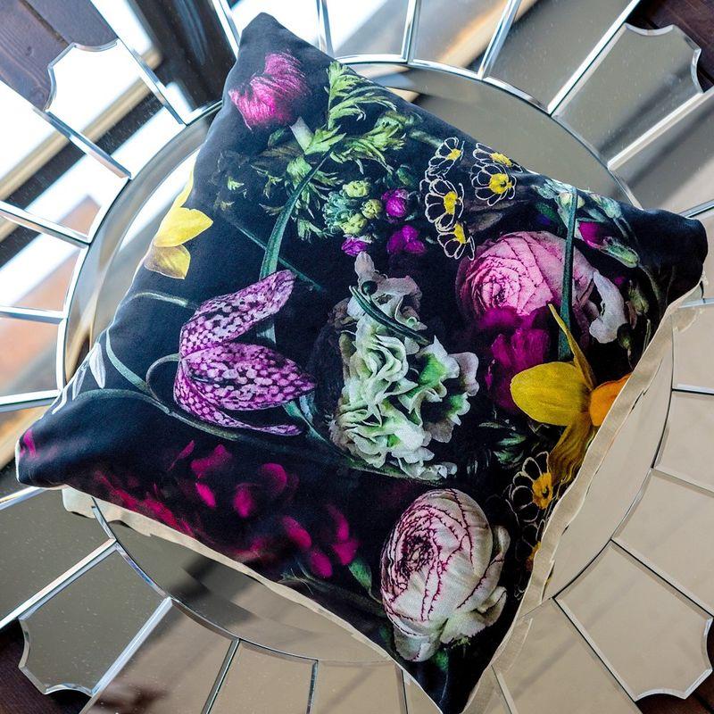 Интерьерная подушка Cyclamen 4112114. Фото №1