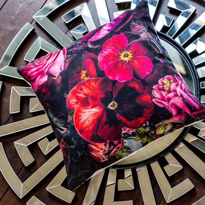 Интерьерная подушка Raspberry 4112116. Фото №1
