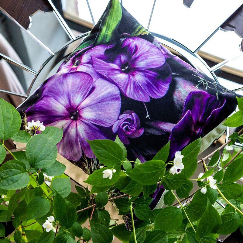 Интерьерная подушка Ultra Violet 4112111. Фото №1