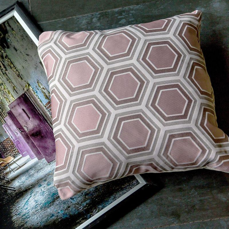 Интерьерная подушка Tomette Rose 3113040. Фото №1