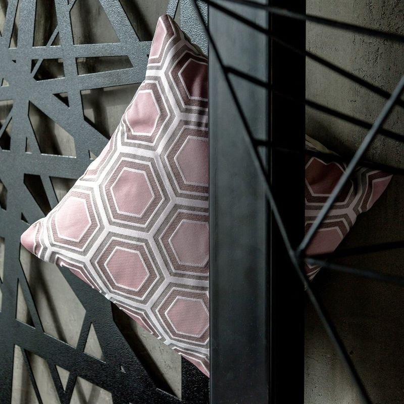 Интерьерная подушка Tomette Rose 3113040. Фото №3