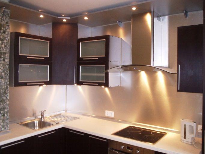 Подсветка рабочих зон на кухне