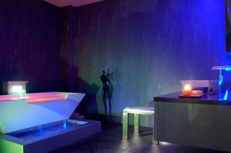Цветная светодиодная подсветка ванной комнаты